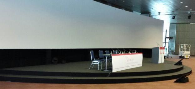 Congres podium rond LiquidX